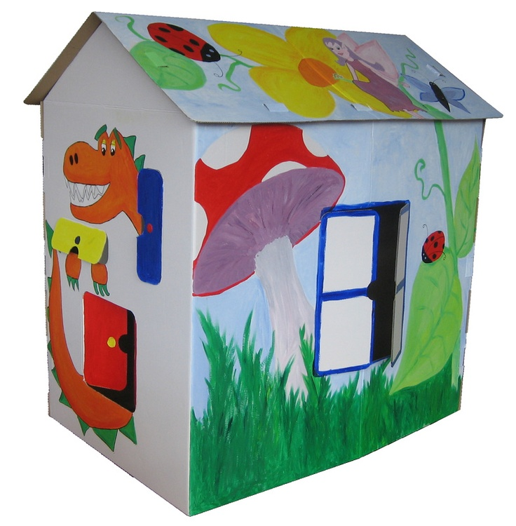 A local Remuera mum owns this great business! Creative fun and imaginative play with a Kids Place cardboard playhouse.