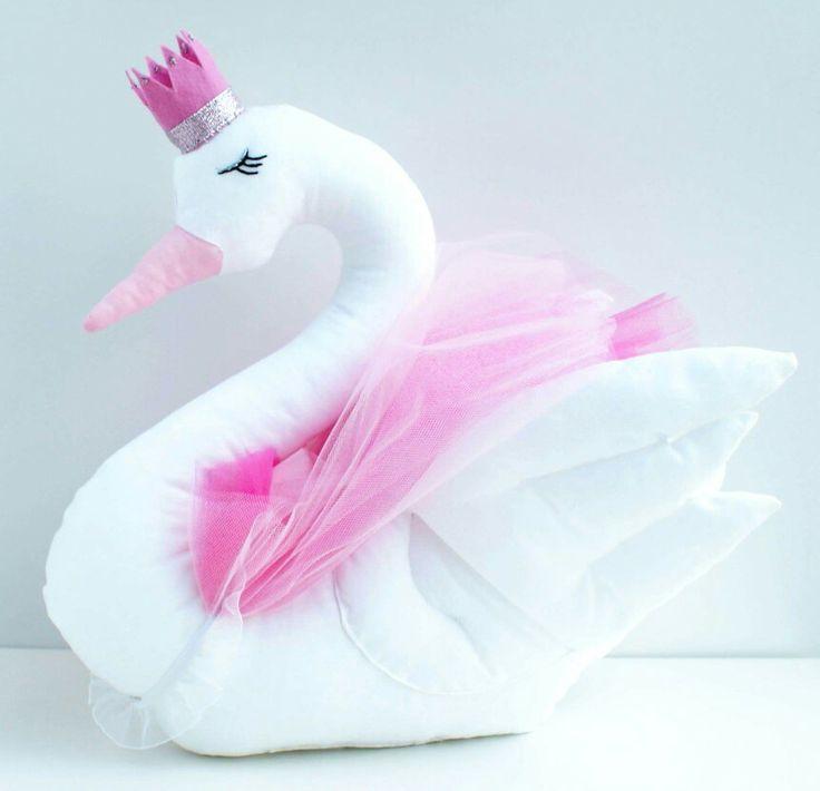 Łabędź. Swan