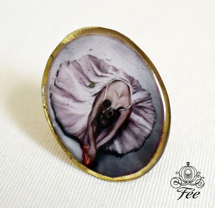 χειροποιητο δαχτυλιδι με υγρο γυαλι. handmade metal ring ballarina