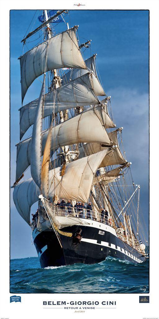Sous l'étrave du Belem, dernier trois-mâts barque français .