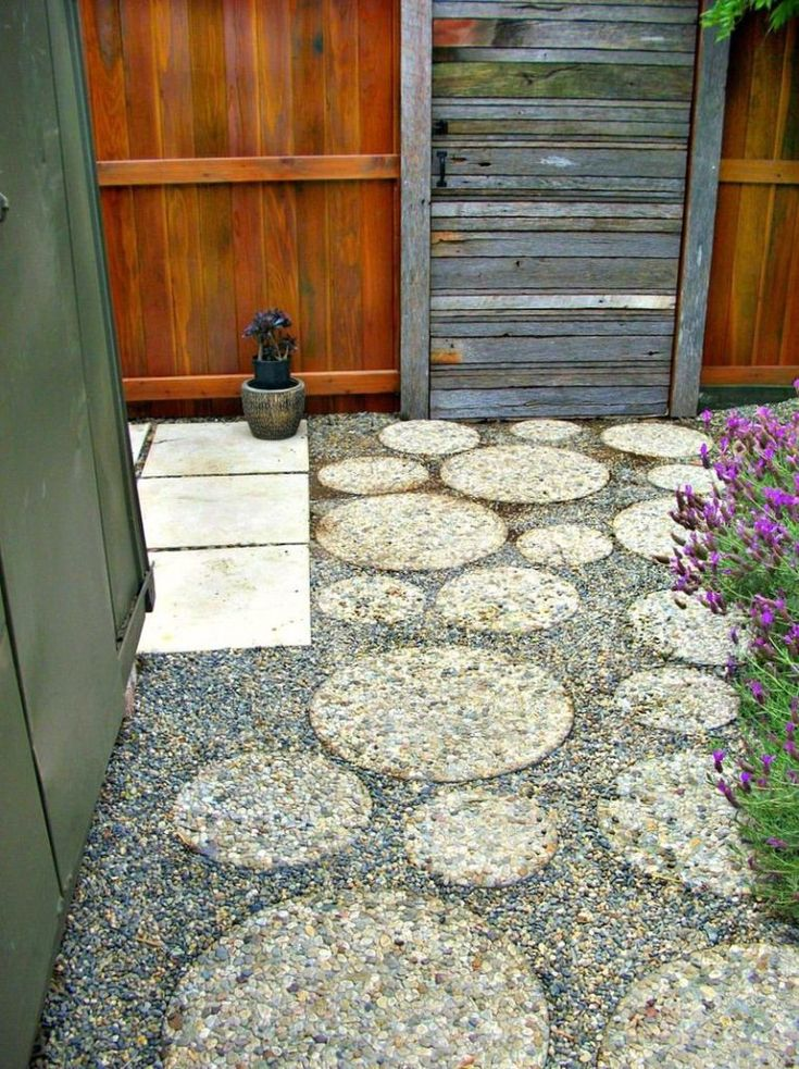 Round Pavers in Gravel