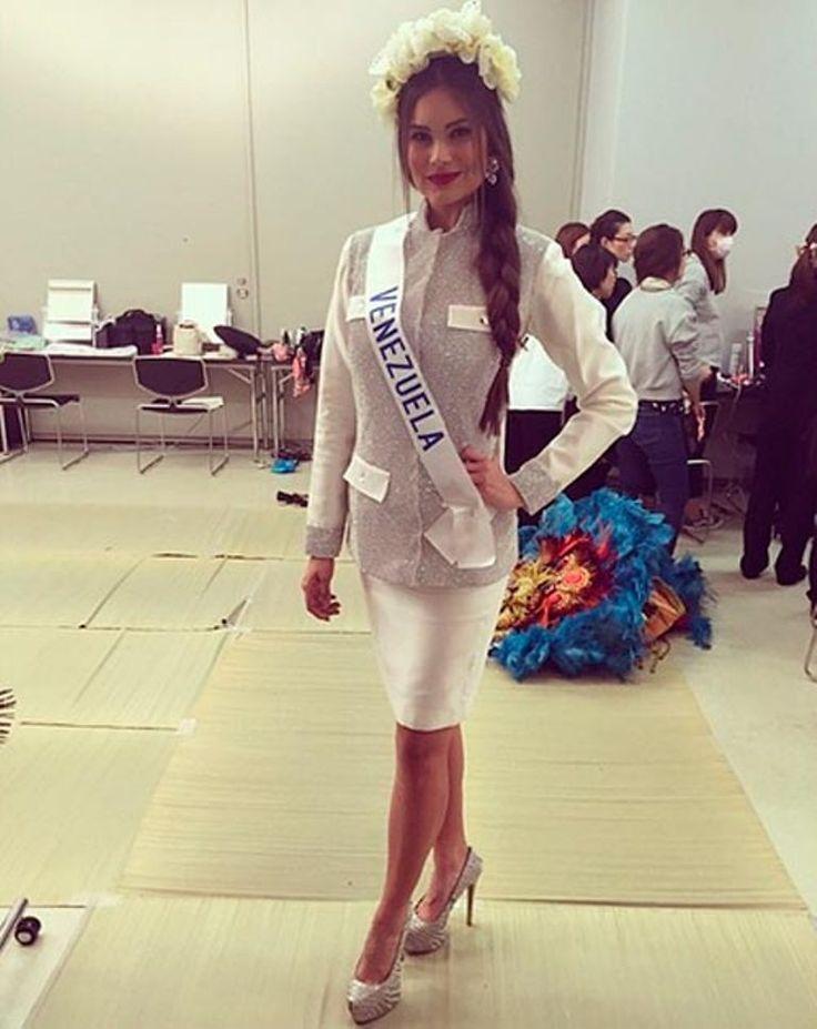 Traje de Liqui Liqui utilizado por Michelle Bertolini para el Miss International 2014..