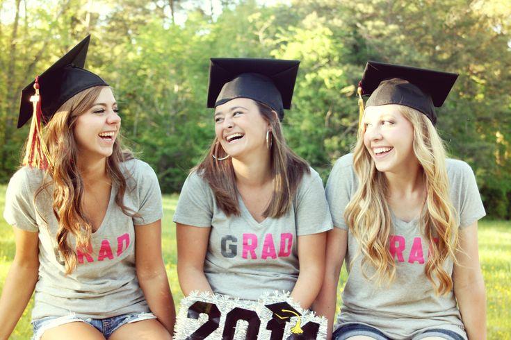 graduation picture idea, best friend photo shoot, college, photography, cap and gown photo idea