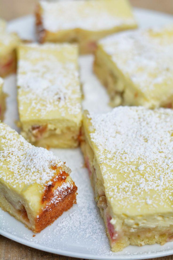 Rhabarberkuchen mit Käsekuchenguss