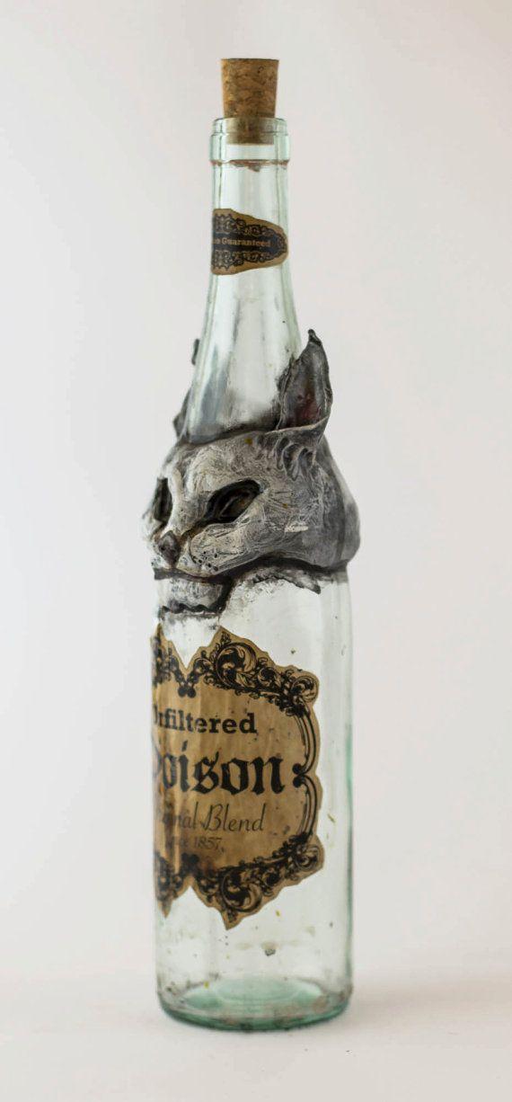 Bastet Cat Gothic Poison Bottle di OrionOddities su Etsy