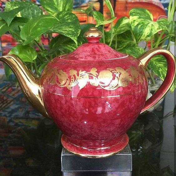 Rare to Find Red Sadler Teapot