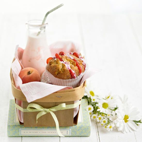 Pamper mom by making her a basket of her favorite things. What to put in the basket: http://www.bhg.com/holidays/mothers-day/crafts/mothers-day-crafts-for-kids/?socsrc=bhgpin051212=11