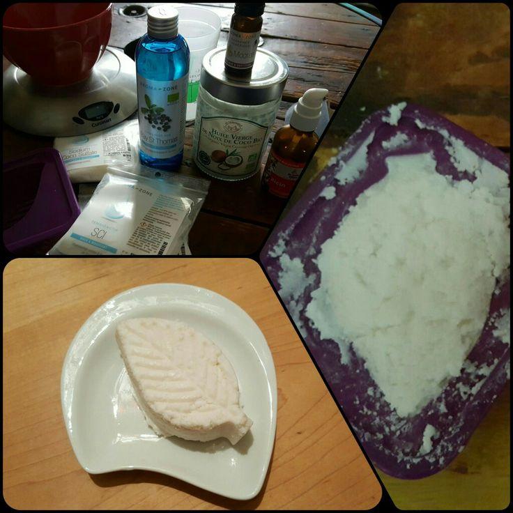 Shampoing nourrissant Recette : http://jesuismodeste.fr/fabrique-shampoing-solide-stimule-pousse-cheveux/