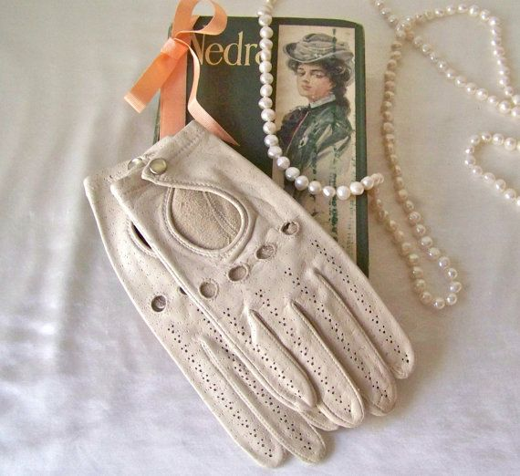 Vintage Leather Gloves Tan Soft Imported Leather by cynthiasattic