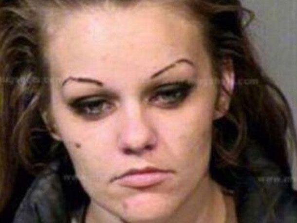 """""""Ich war ein Monster in jeglicher Hinsicht!"""" Eine junge Frau (26) teilt Fotos aus ihrer Suchtzeit im Social Web und feiert damit ihre"""