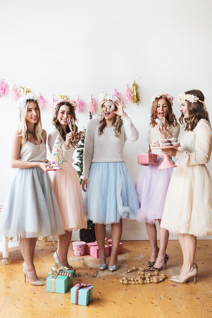 Pastel tulle skirts, heels and floral crowns. The perfect pink holiday celebration with my blogger girlfriends