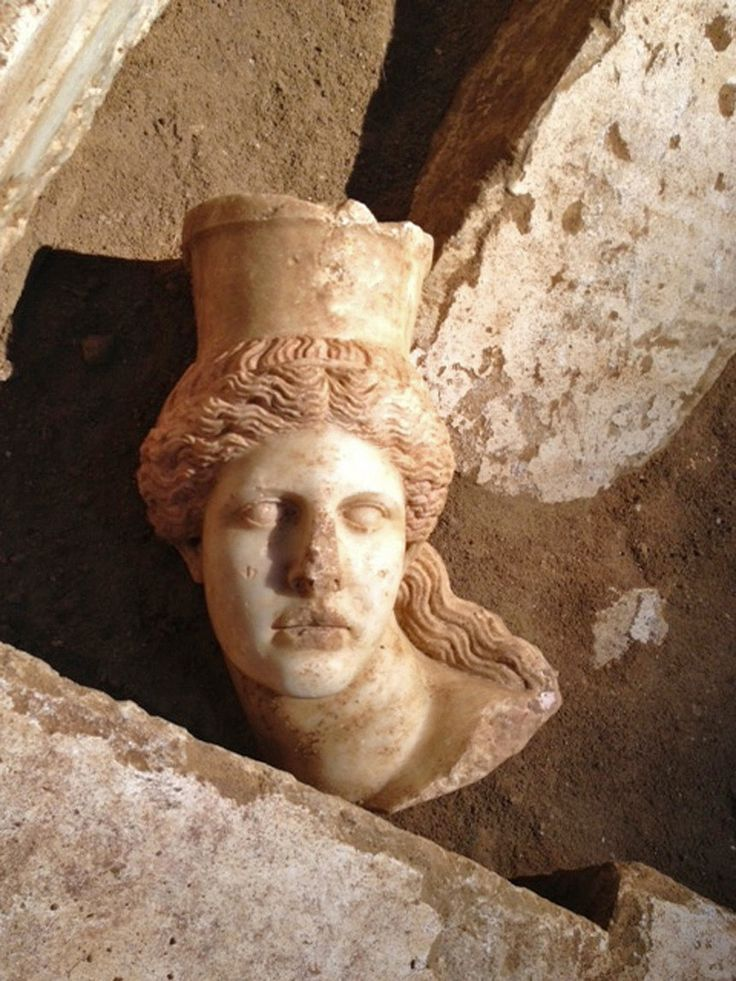 Amphipolis Tomb findings