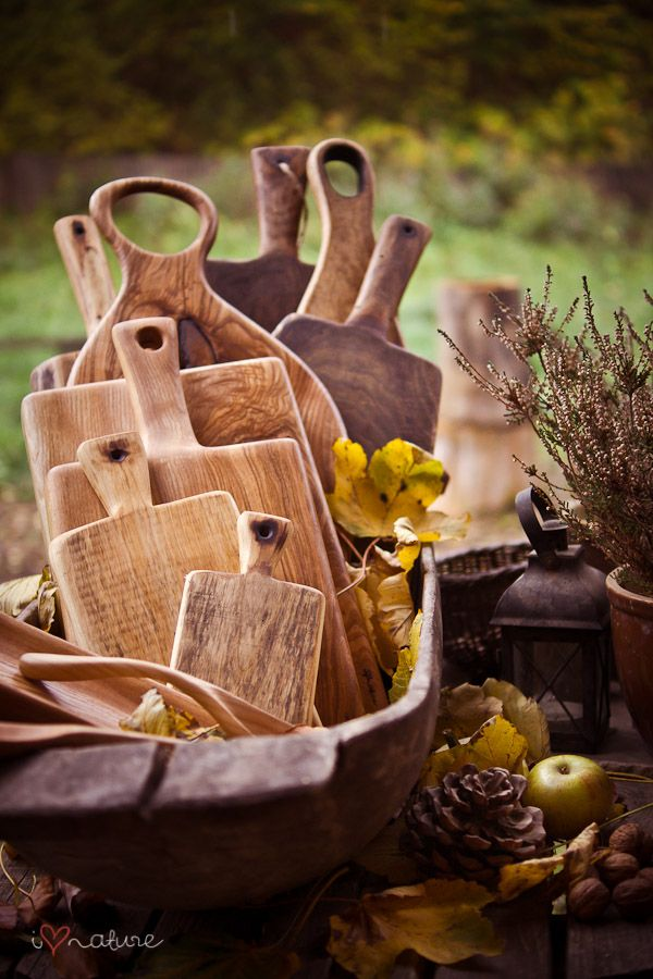 Rustic cutting boards make for lovely buffet decor