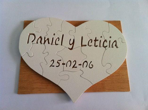 San Valentín - Puzzle corazon de madera. personalizado - hecho a mano por planetasierra en DaWanda