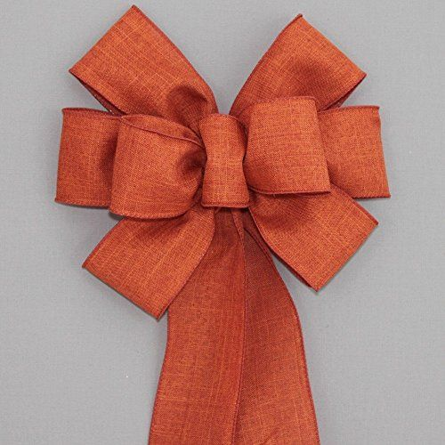 Follow along in this video as Julie Siomacco of Southern Charm Wreaths shows you how to make a simple spring wreath bow. How to hand tie a bow video.