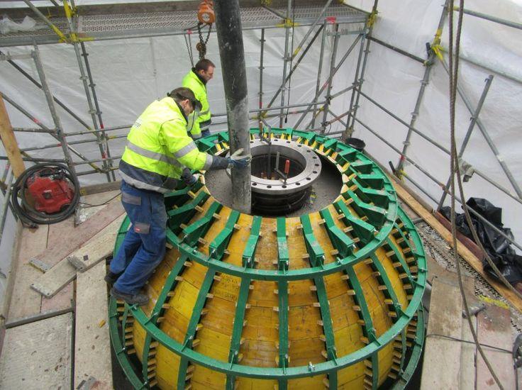 Seit November lag eine 20 Tonnen schwere Betonkugel im Bodensee, mit ihrer Hilfe testeten Forscher Techniken zur Stromspeicherung. Nun ist der Brocken wieder an der Oberfläche - und die Wissenschaftler sind zufrieden.