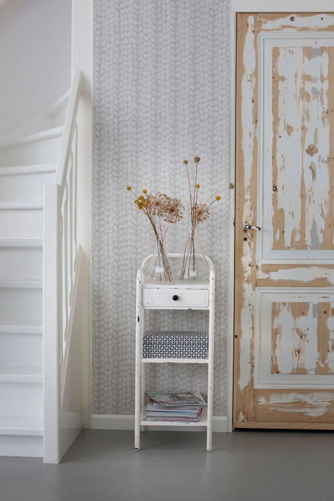 Inspirerande hall med tapet från kollektionen Marrakech 148341. Klicka för att se fler fina tapeter för ditt hem!