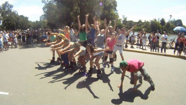 Flashmob del Rey León sobre rollers 04/12/11 [by Alex]