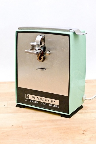 Vintage Jadite Electric Can Opener by The Sunday Times Market, via Flickr