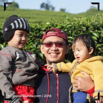 Anda ingin membuat kegiatan berlibur idaman? Simak ulasan singkat dan cerita kami mengenai tips liburan hemat menyenangkan bersama keluarga. Semoga liburan anda semua menjadi wisata terbaik dan luar biasa.