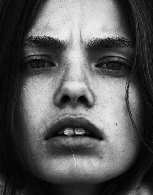 Anguish Face ....... (Or Toothache Face) | Парные портреты ...  |Close Up Photography Of Faces Black And White