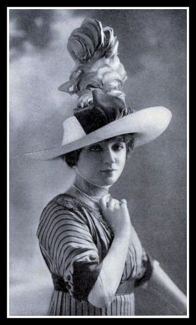 1912 Edwardian Fashion. I like the stripes of the fabric