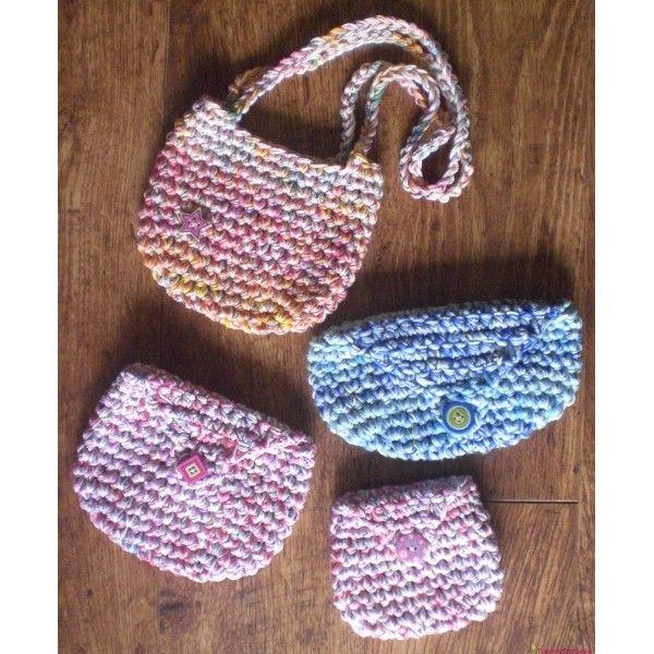 Free Crochet Purse Patterns   CHILD'S CROCHET BAG, PENCIL CASE & PURSE