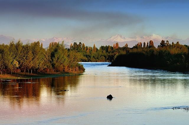 Atardecer en el Rio Chimbarongo - Valle de Colchagua (Chile) by Noelegroj( 300k + views!), via Flickr