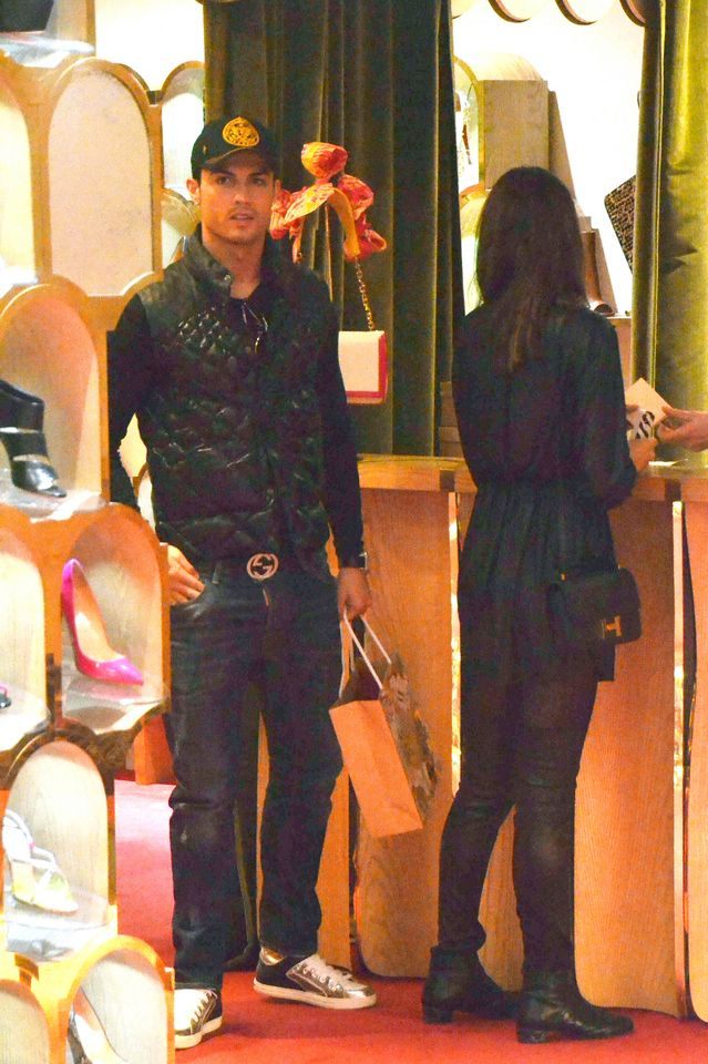 5ad03dfd38b Irina Shayk with Cristiano Ronaldo and Wearing Hermes Constance Bag in  Black