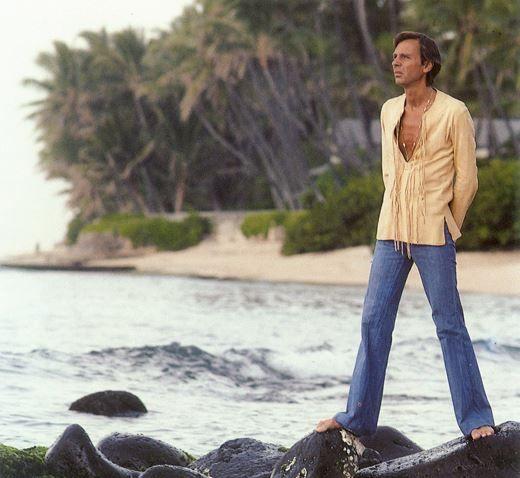 В 1976 г. Пол продает салон и отправляется на Гавайи