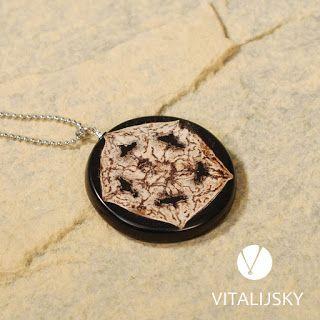 Biżuteria wykonana ręcznie z żywicy, carbonu, kamieni naturalnych, suszonych roślin..