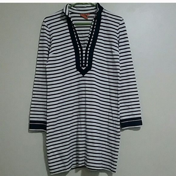 """👗Authentic TORY BURCH Nordic dress👗 ⚓️Authentic TORY BURCH Blue and white striped nautical⚓️ long sleeve dress approximately 33"""" long great for a cool night out on the yacht⛴ or a day trip on the sailboat⛵️or even at the beach⛱ or pool🏊🏼 you can even dress it up and wear it out in the evening with a pair of sexy heels👠 or just casual with a pair flip-flops! Only worn for a day sail⛵️ it's just a bit to big for me...like brand new no stains or damages👍🏼""""OPEN TO OFFERS"""" I also ship out…"""