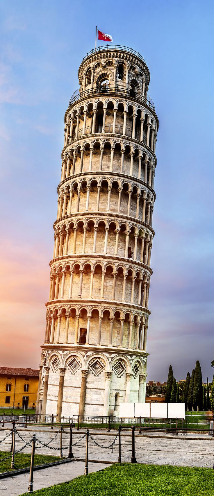 Pisa, place of miracles: The leaning tower of Pisa. Tuscany, Italy | 15 Most Colorful Shots of Italy