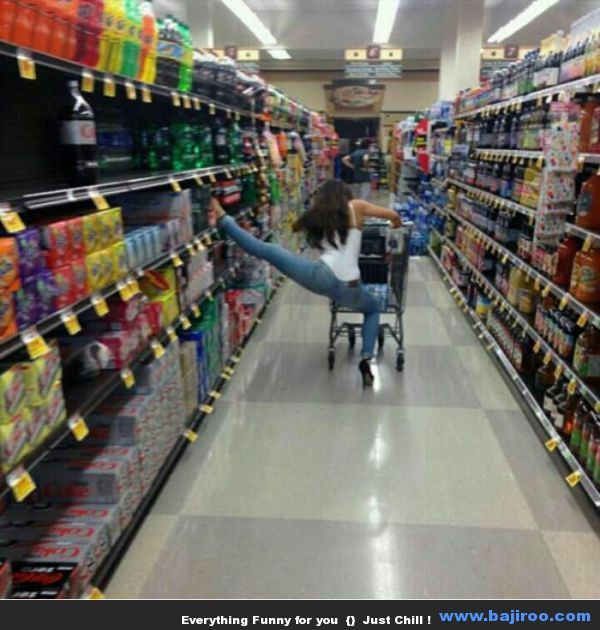 Funny People at Walmart (23 Photos)