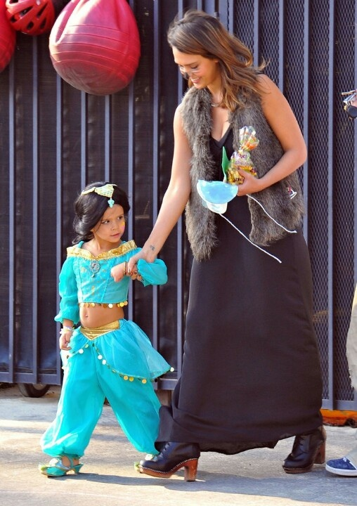 Jessica Alba with oldest daughter Honor