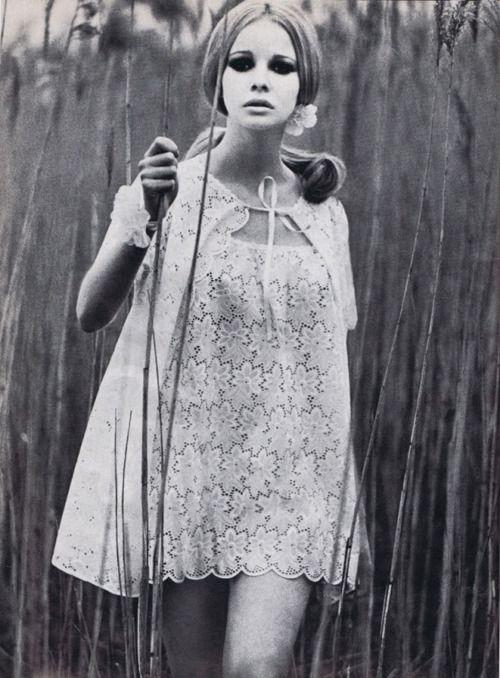 1969Summer Dresses, Vintage Outfit, Vogue Uk, 1960S Fashion, Patricks Hunting, June 1969, Fashion Photography, Lace Dresses, 1960 S