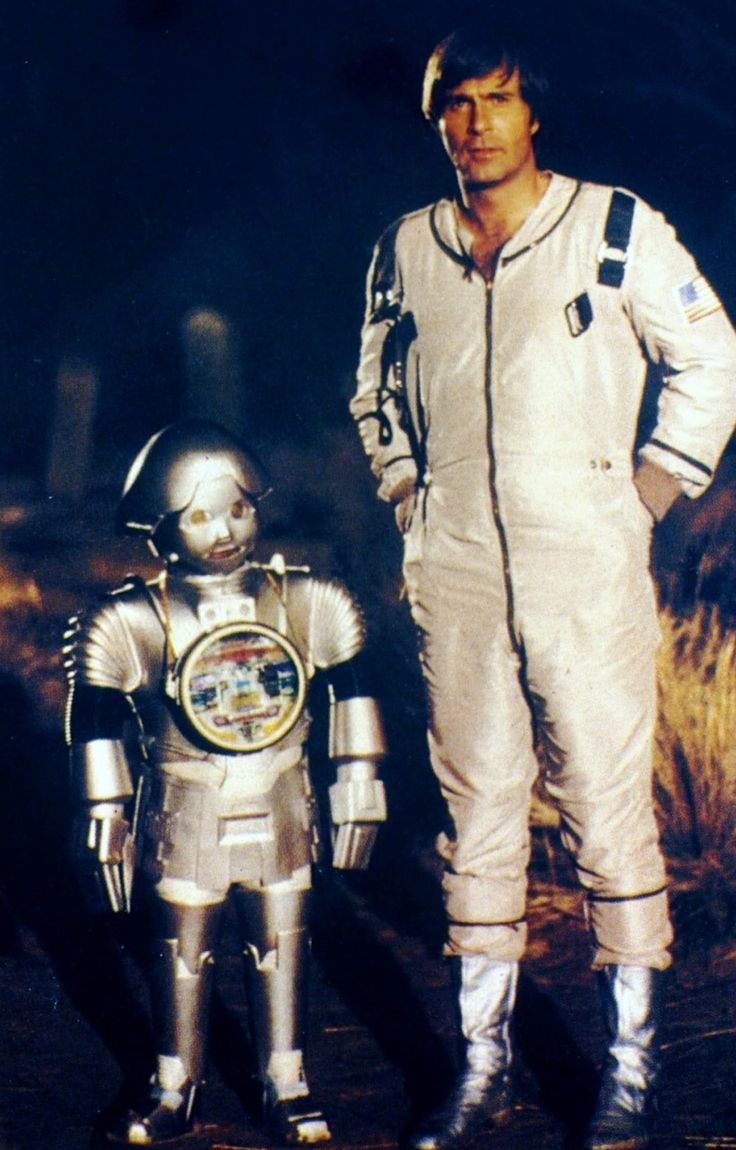 Gil Gerard as Buck Rogers and Felix Silla as Twiki - Buck Rogers in the 25th Century (1979)
