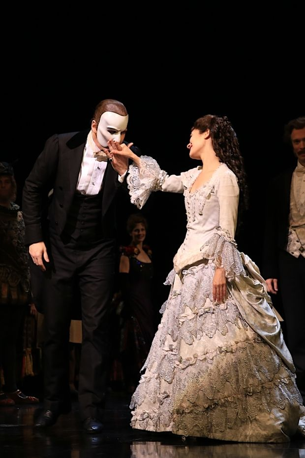 The Phantom of the Opera Celebrates Its 12,000th Broadway Performance - TheaterMania.com