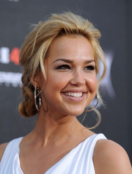 "arielle kebbel | Arielle Kebbel World Premiere of ""Scream 4"".Grauman's Chinese ..."