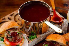Underbar sås att servera till grillat. Tänk dig en perfekt blandning av BBQ sås och rödvinssås, det är precis vad Victoria's Coca Cola BBQ sås är.