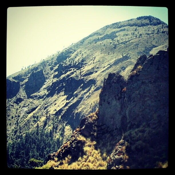 MT @emjacobi: This is where we hiked today. #sobeautiful RT @pablocollada: Pico del Aguila. Ajusco. #semanasanta