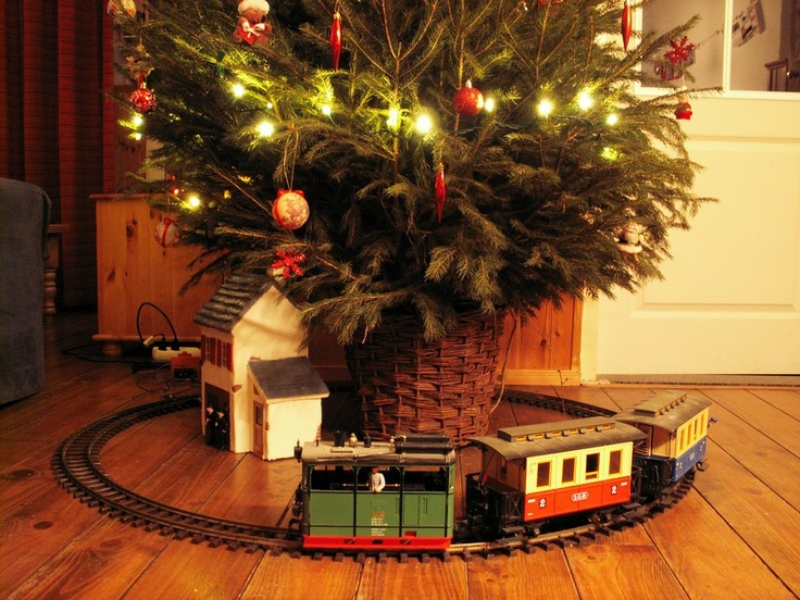 23 Best Images About Christmas Trains On Pinterest