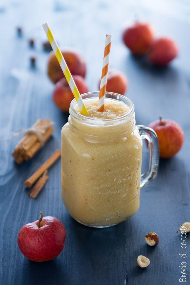 Smoothie di mela, nocciole e cannella