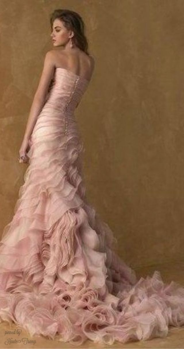 100 layer, ruffle gown, mauve pink, strapless elegant evening gown, fashion Vera Wang