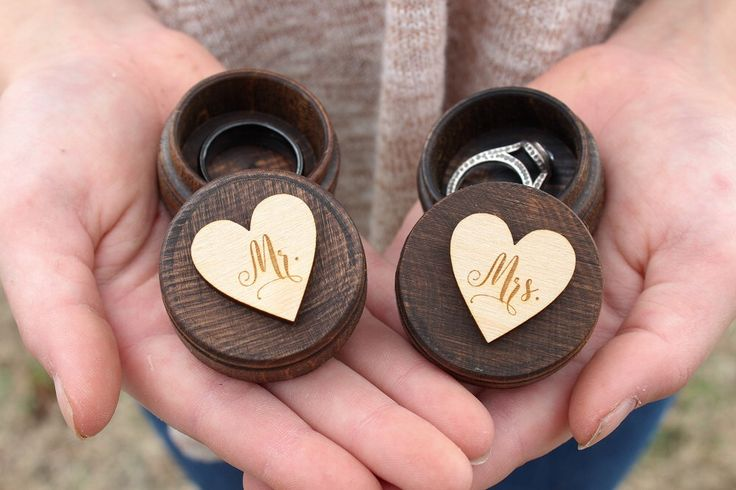 Mr and Mrs Ring Box Set Rustic Wedding Keepsake Ring Box by DownInTheBoondocks on Etsy https://www.etsy.com/listing/505343593/mr-and-mrs-ring-box-set-rustic-wedding