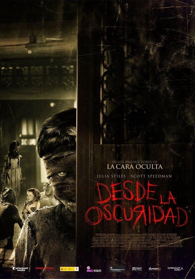 'Desde la Oscuridad' se estrena en Colombia este 22 de Enero.  Con un reparto que incluye estrellas de Hollywood, la cinta Colombo-Española de los mismos creadores de 'La Cara Oculta' pretende conquistar el públicoamante del terror y el suspenso.   Sarah y Paul Harriman y su