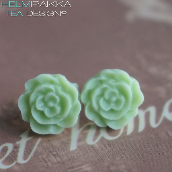 Vaaleanvihreät kukkanapit