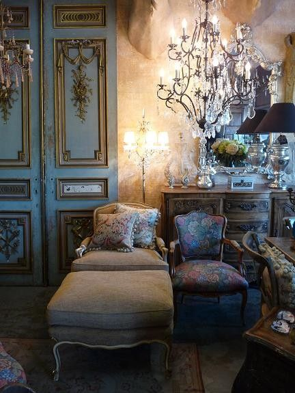 Restored Doors As Decoration? French Style Decor Ambiance, Love Venetian  Style Plaster Wall For This Look!