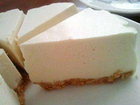水切りヨーグルトでレアチーズケーキ