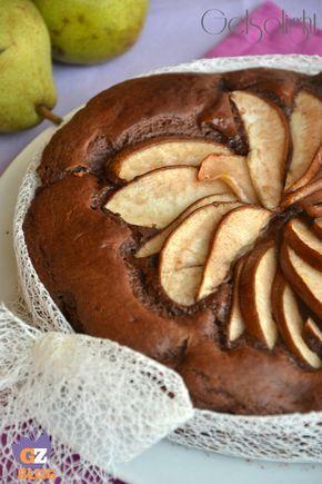Torta cacao e pere, senza burro né olio, con l'aggiunta di ricotta, pere a pezzi e cacao amaro. Ideale a colazione o merenda, gustosa e leggera.